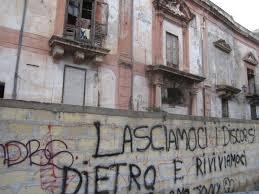 Scrivono sui muri in Porto Vecchio: denunciati due minorenni