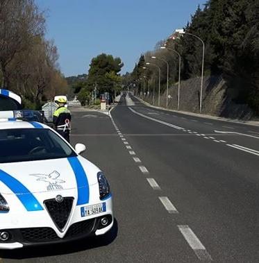 Controlli della Polizia Locale sul traffico pesante: 17 sanzioni