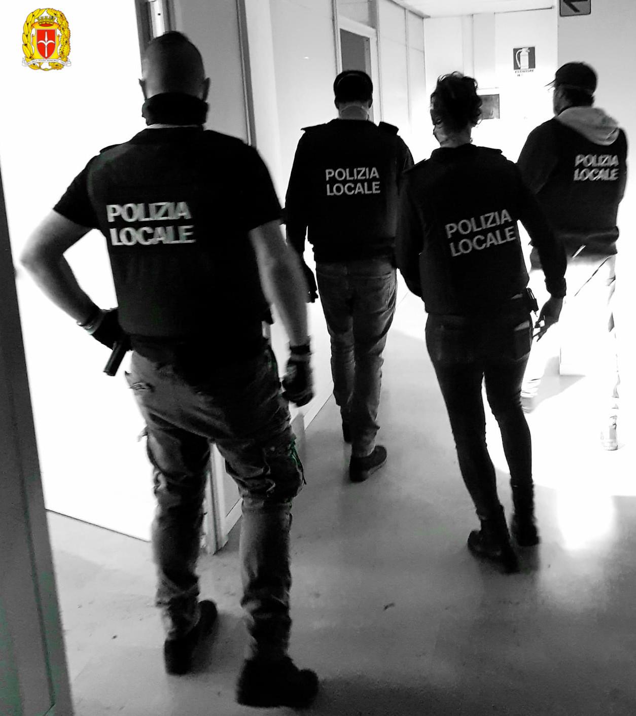 Arrestato responsabile di alcuni furti: denunciato il complice