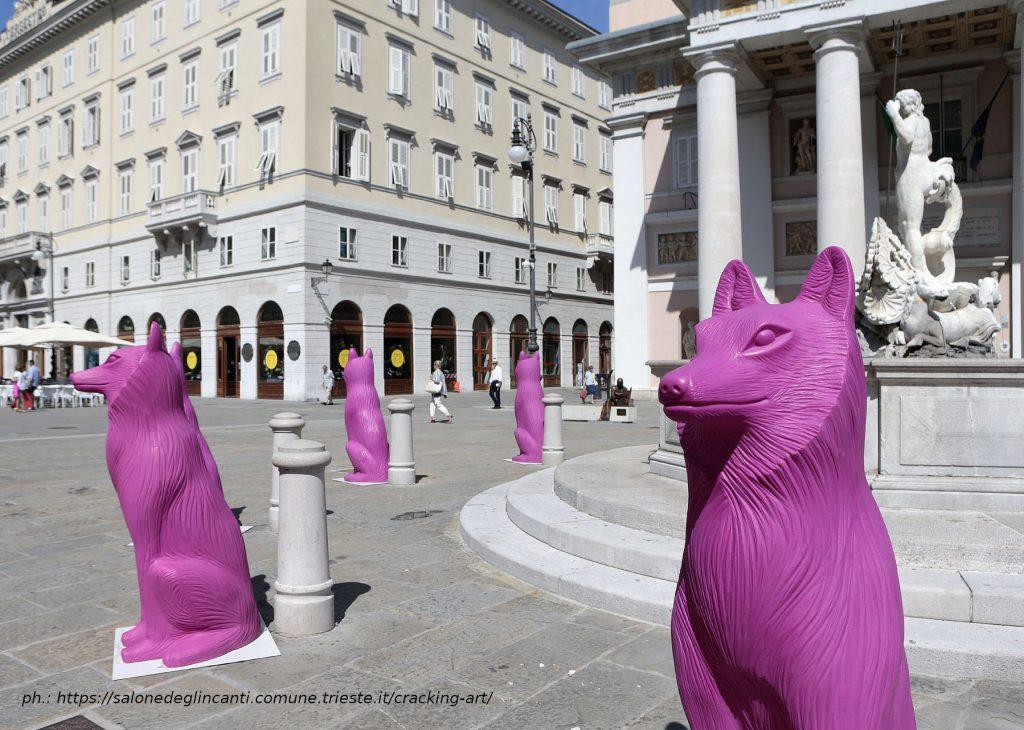 Turisti sottraggono un lupo di Cracking Art durante i festeggiamenti per l'Italia. Identificati dalla Polizia Locale, dovranno rispondere di furto aggravato